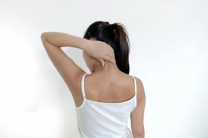 頚椎ヘルニアの痛みを自分で改善する方法