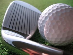 ゴルフ肘の痛みの原因と改善方法について