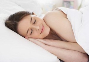 最近寝違えが多いけど肩こり頚椎椎間板ヘルニア、何か関係性があるの?