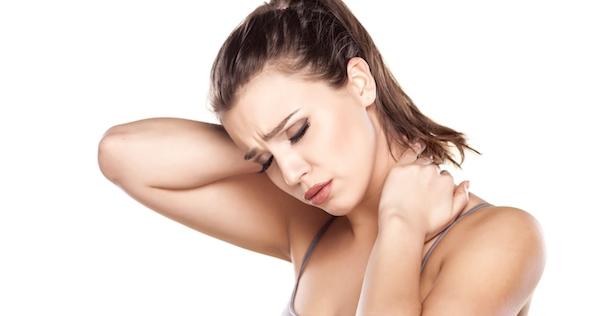 頭痛がしている女性の画像