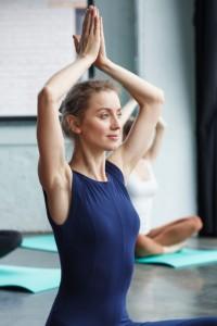 頚椎椎間板ヘルニアになりやすい姿勢について解説