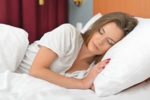 朝起きたらあら大変!ベッドから起きれない首(頚椎)腰(腰椎)の痛みとは